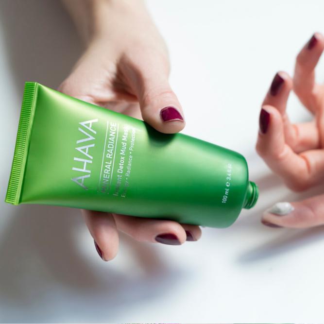 Regeneráló, tisztító arcpakolás, gyors, egyszerű használattal